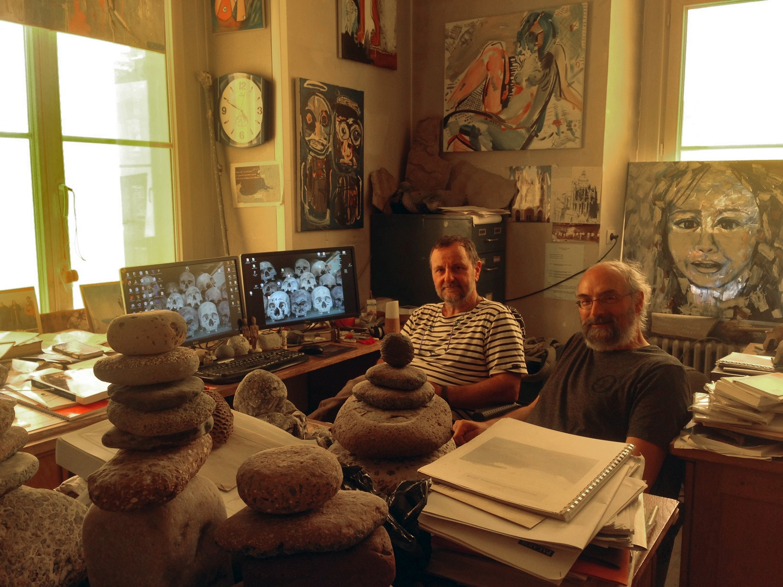 Philippe Duringer et Jean-Luc Ponche (de g. à dr.) assurent les parties géologiques et prospection de la mission. Photo MR